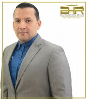Sergio F. Moreno/USA